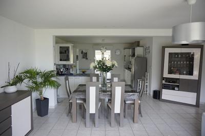 Maison Bouzy la Foret &bull; <span class='offer-area-number'>166</span> m² environ &bull; <span class='offer-rooms-number'>6</span> pièces