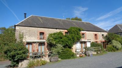 Maison Isigny sur Mer &bull; <span class='offer-area-number'>400</span> m² environ &bull; <span class='offer-rooms-number'>16</span> pièces