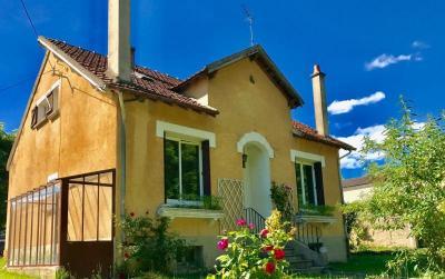 Maison Joigny &bull; <span class='offer-area-number'>88</span> m² environ &bull; <span class='offer-rooms-number'>4</span> pièces