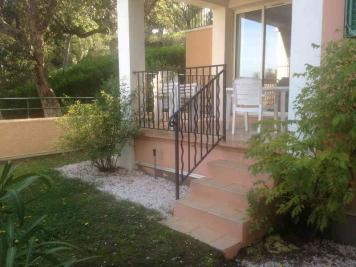 Appartement Grimaud &bull; <span class='offer-area-number'>37</span> m² environ &bull; <span class='offer-rooms-number'>3</span> pièces