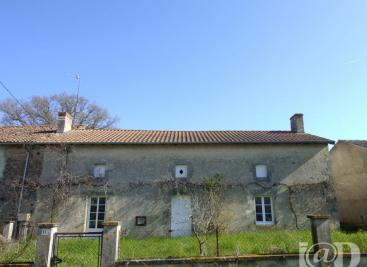 Maison Moulismes &bull; <span class='offer-area-number'>146</span> m² environ &bull; <span class='offer-rooms-number'>2</span> pièces