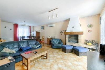 Maison Marseille 10 &bull; <span class='offer-area-number'>148</span> m² environ &bull; <span class='offer-rooms-number'>6</span> pièces