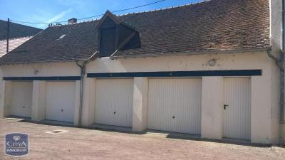 Parking Romorantin Lanthenay &bull; <span class='offer-area-number'>20</span> m² environ