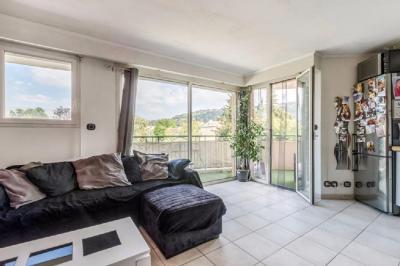 Appartement Mouans Sartoux &bull; <span class='offer-area-number'>37</span> m² environ &bull; <span class='offer-rooms-number'>2</span> pièces