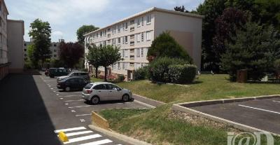 Appartement Crosne &bull; <span class='offer-area-number'>56</span> m² environ &bull; <span class='offer-rooms-number'>3</span> pièces