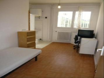 Appartement Marseille 07 &bull; <span class='offer-area-number'>10</span> m² environ &bull; <span class='offer-rooms-number'>1</span> pièce