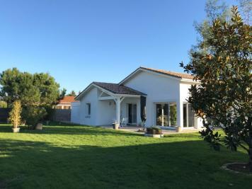 Maison St Magne de Castillon &bull; <span class='offer-area-number'>140</span> m² environ &bull; <span class='offer-rooms-number'>5</span> pièces