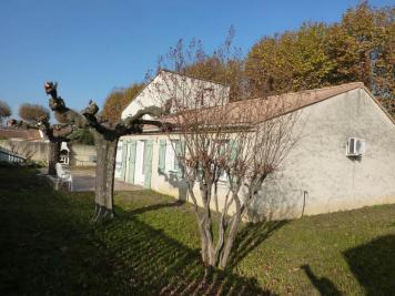 Maison Lapalud &bull; <span class='offer-area-number'>198</span> m² environ &bull; <span class='offer-rooms-number'>7</span> pièces
