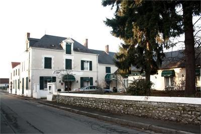 Maison Blois &bull; <span class='offer-area-number'>650</span> m² environ &bull; <span class='offer-rooms-number'>15</span> pièces