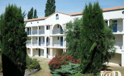 Appartement Vaux sur Mer &bull; <span class='offer-area-number'>28</span> m² environ &bull; <span class='offer-rooms-number'>2</span> pièces