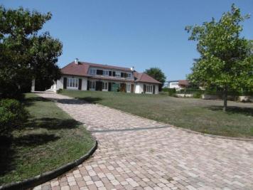 Villa La Tour de Salvagny &bull; <span class='offer-area-number'>171</span> m² environ &bull; <span class='offer-rooms-number'>6</span> pièces