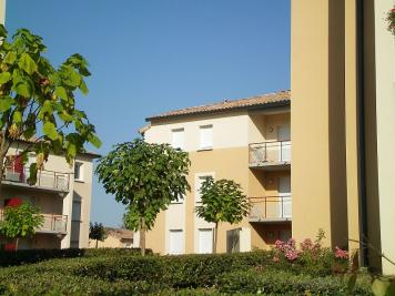 Appartement L Isle Jourdain &bull; <span class='offer-area-number'>46</span> m² environ &bull; <span class='offer-rooms-number'>2</span> pièces