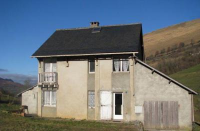 Maison Lourdios Ichere &bull; <span class='offer-area-number'>94</span> m² environ &bull; <span class='offer-rooms-number'>5</span> pièces