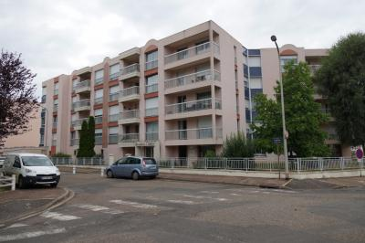 Appartement Nevers &bull; <span class='offer-area-number'>107</span> m² environ &bull; <span class='offer-rooms-number'>5</span> pièces