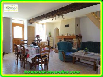 Maison La Charite sur Loire &bull; <span class='offer-area-number'>80</span> m² environ &bull; <span class='offer-rooms-number'>3</span> pièces