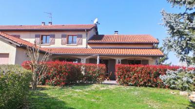 Villa Lucenay &bull; <span class='offer-area-number'>160</span> m² environ &bull; <span class='offer-rooms-number'>6</span> pièces