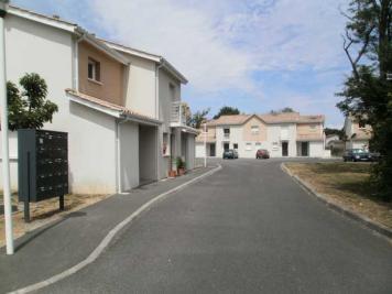 Maison Lesparre Medoc &bull; <span class='offer-area-number'>57</span> m² environ &bull; <span class='offer-rooms-number'>3</span> pièces