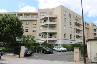 Appartement Avon &bull; <span class='offer-area-number'>64</span> m² environ &bull; <span class='offer-rooms-number'>3</span> pièces
