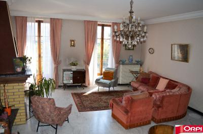 Appartement La Tronche &bull; <span class='offer-area-number'>124</span> m² environ &bull; <span class='offer-rooms-number'>5</span> pièces