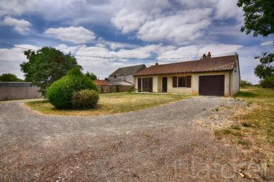 Maison St Varent &bull; <span class='offer-area-number'>85</span> m² environ &bull; <span class='offer-rooms-number'>4</span> pièces