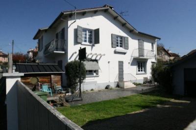 Maison Mont de Marsan &bull; <span class='offer-area-number'>165</span> m² environ &bull; <span class='offer-rooms-number'>7</span> pièces