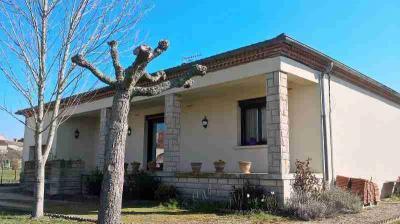 Maison Moirax &bull; <span class='offer-area-number'>105</span> m² environ &bull; <span class='offer-rooms-number'>3</span> pièces