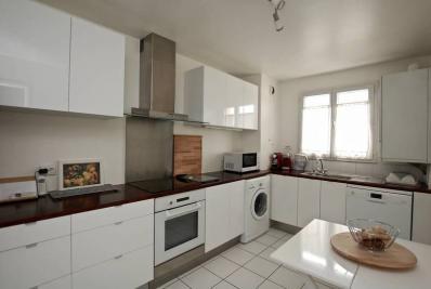 Appartement Villeneuve la Garenne &bull; <span class='offer-area-number'>82</span> m² environ &bull; <span class='offer-rooms-number'>4</span> pièces