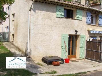 Maison Le Tignet &bull; <span class='offer-area-number'>40</span> m² environ &bull; <span class='offer-rooms-number'>3</span> pièces