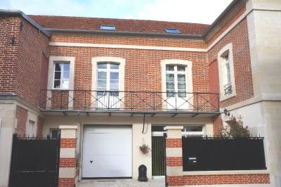 Appartement Clermont &bull; <span class='offer-area-number'>117</span> m² environ &bull; <span class='offer-rooms-number'>4</span> pièces