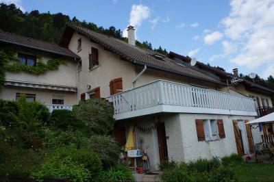 Maison St Baldoph &bull; <span class='offer-area-number'>172</span> m² environ &bull; <span class='offer-rooms-number'>7</span> pièces