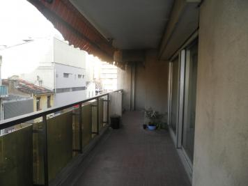 Appartement Marseille 06 &bull; <span class='offer-area-number'>143</span> m² environ &bull; <span class='offer-rooms-number'>4</span> pièces