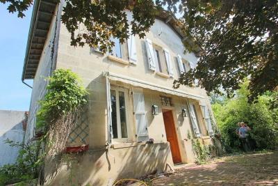 Maison St Seurin sur l Isle &bull; <span class='offer-area-number'>154</span> m² environ &bull; <span class='offer-rooms-number'>6</span> pièces