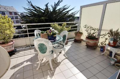Appartement Le Pouliguen &bull; <span class='offer-area-number'>80</span> m² environ &bull; <span class='offer-rooms-number'>4</span> pièces