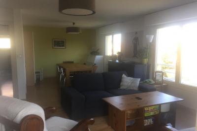 Appartement Eckbolsheim &bull; <span class='offer-area-number'>76</span> m² environ &bull; <span class='offer-rooms-number'>3</span> pièces