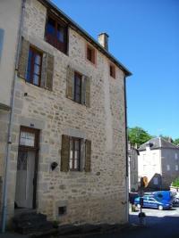 Maison Treignac &bull; <span class='offer-area-number'>100</span> m² environ &bull; <span class='offer-rooms-number'>5</span> pièces