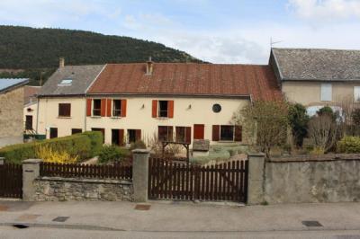 Maison Monteynard &bull; <span class='offer-area-number'>150</span> m² environ &bull; <span class='offer-rooms-number'>11</span> pièces