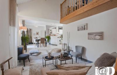 Maison Ste Luce sur Loire &bull; <span class='offer-area-number'>150</span> m² environ &bull; <span class='offer-rooms-number'>4</span> pièces