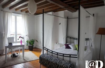 Maison St Cyr sur Morin &bull; <span class='offer-area-number'>140</span> m² environ &bull; <span class='offer-rooms-number'>5</span> pièces