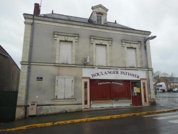 Maison St Lambert du Lattay &bull; <span class='offer-area-number'>200</span> m² environ &bull; <span class='offer-rooms-number'>6</span> pièces