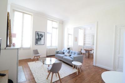 Appartement Bordeaux &bull; <span class='offer-area-number'>106</span> m² environ &bull; <span class='offer-rooms-number'>3</span> pièces