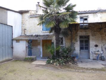 Maison St Hilaire la Palud &bull; <span class='offer-area-number'>164</span> m² environ &bull; <span class='offer-rooms-number'>8</span> pièces