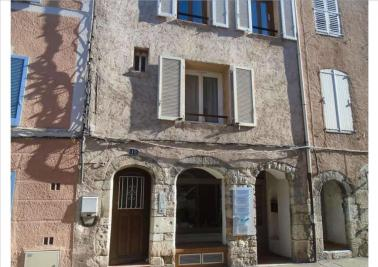 Appartement Trans en Provence &bull; <span class='offer-area-number'>64</span> m² environ &bull; <span class='offer-rooms-number'>3</span> pièces