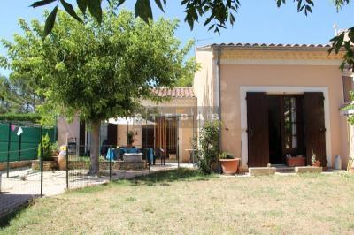 Villa Sarrians &bull; <span class='offer-area-number'>72</span> m² environ &bull; <span class='offer-rooms-number'>3</span> pièces