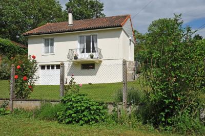Maison St Pierre de Maille &bull; <span class='offer-area-number'>86</span> m² environ &bull; <span class='offer-rooms-number'>4</span> pièces