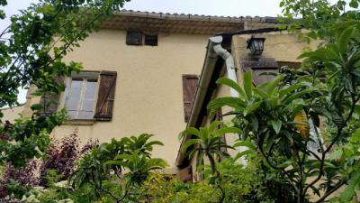 Maison Serignan du Comtat &bull; <span class='offer-area-number'>130</span> m² environ &bull; <span class='offer-rooms-number'>5</span> pièces