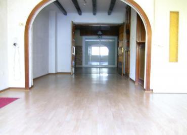 Maison Rombas &bull; <span class='offer-area-number'>200</span> m² environ &bull; <span class='offer-rooms-number'>7</span> pièces