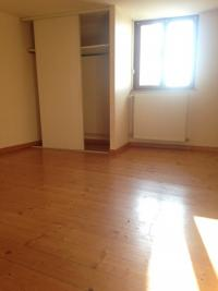 Appartement St Galmier &bull; <span class='offer-area-number'>37</span> m² environ