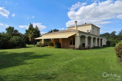 Maison Gradignan &bull; <span class='offer-area-number'>172</span> m² environ &bull; <span class='offer-rooms-number'>6</span> pièces