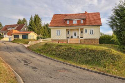 Maison Creutzwald &bull; <span class='offer-area-number'>114</span> m² environ &bull; <span class='offer-rooms-number'>5</span> pièces