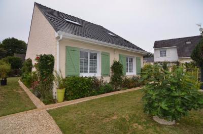 Maison Lagny le Sec &bull; <span class='offer-area-number'>125</span> m² environ &bull; <span class='offer-rooms-number'>6</span> pièces